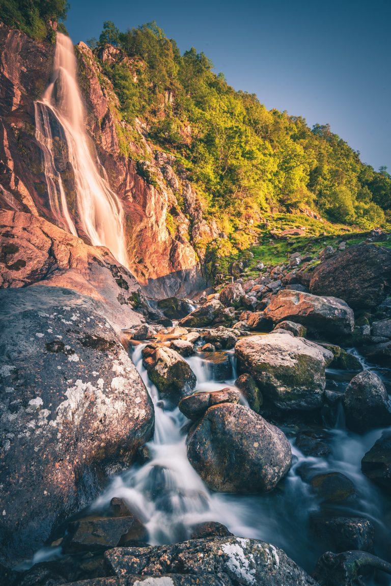 Rhaedr Falls